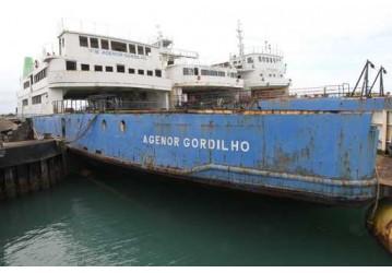 Afundamento assistido do ferry Agenor Gordilho será feito no dia 19