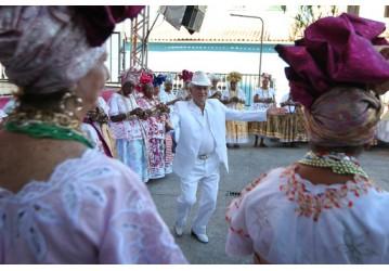 Música erudita e samba de roda encantam turistas no Pelourinho