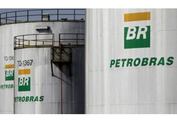 Petrobras aumenta em quase 8% o preço da gasolina nas refinarias