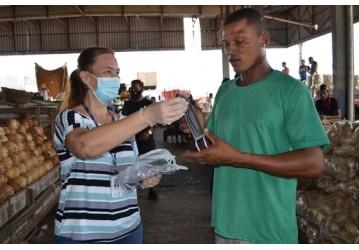 Ceasa distribui 4,5 mil máscaras e imuniza permissionários contra H1N1