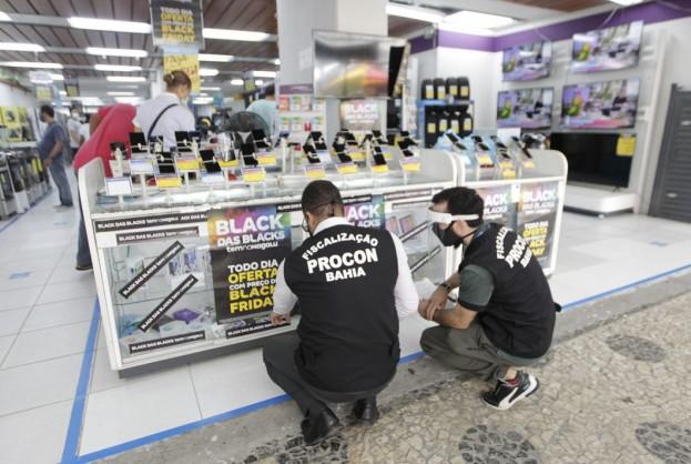 Procon-BA fiscaliza lojas físicas durante a Black Friday | Bahia tempo real
