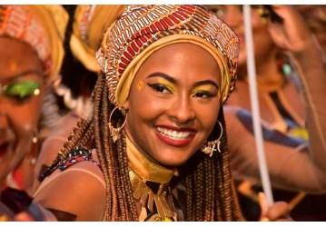 Olodum estreia no Carnaval com uma mulher na regência da banda