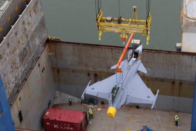 Portonave faz a operação de chegada do primeiro caça Gripen NG | Bahia tempo real