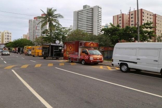 Após ordenamento, food trucks retornam ao Imbuí | Bahia tempo real