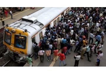 Índia fecha toda sua rede ferroviária de passageiros